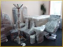 Упакованная мебель, готовая для перевозки